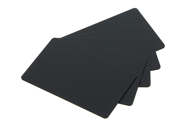 Tarjetas de PVC-U en negro mate